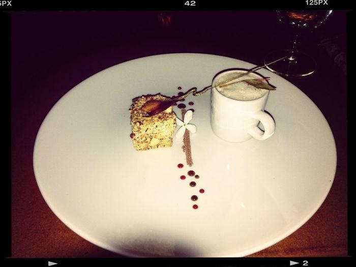 7o. Tiempo Cheese Cake de queso de cabra y shot de capuchino con manzanilla y laurel