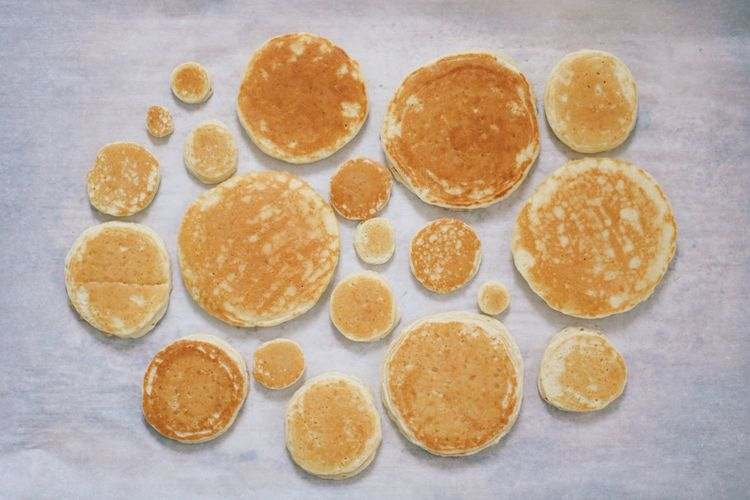 Delicious Fresh Food Different Sizes Breakfast Pancakes Food Freshness Indoors  Choice No People Variation Circle Still Life Large Group Of Objects Directly Above High Angle View Homemade