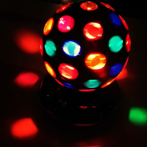 I want a desk-top disco ball... Though think they'd be superb dinner table centre pieces..! Oh yes... I think I'll make that so..