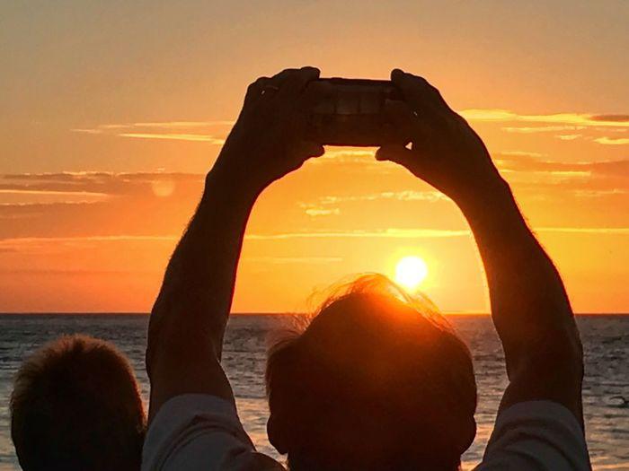 Sunset Celebration Mallory Square Photographer Sunset The Week On EyeEm