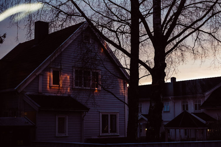 House of rising sun 35mm Architecture Building Exterior Built Structure City Day Light No People Outdoors Rising S Shadows Sky Sun Sunlight Sunset Sunset_collection Tree