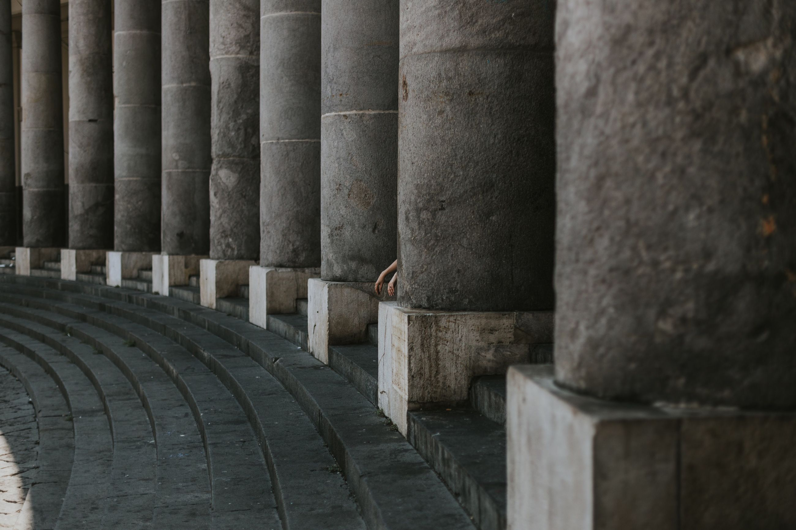 architectural column, architecture, in a row, history, built structure, real people, one person, day, ancient, outdoors, people