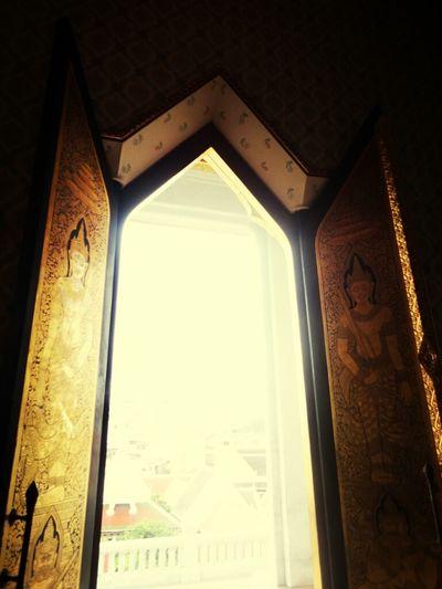 Door Sunlight Thailand_allshots