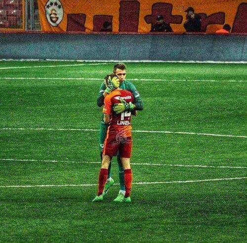 Galatasaray Cimbom 💛❤️ Galatasaray Sevdası😍 Muslera💕 Selcukinan GALATASARAY ☝☝ MartinLinnes