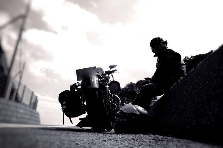 まだ遠い Bw_ Collection Bw_lovers Blackandwhite Photography EyeEm Gallery Blackandwhitephotography Bikes Harleydavidson Bmw Motorcycle Motorcycles