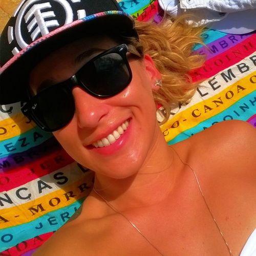 É verão de carnaval de folia de ladeira de galera de BBB !!!! 😊 ráááá Eutofeliz Eutobronzeando Eutocurtindo Eutonaboa eutenhoamigosdeBBB
