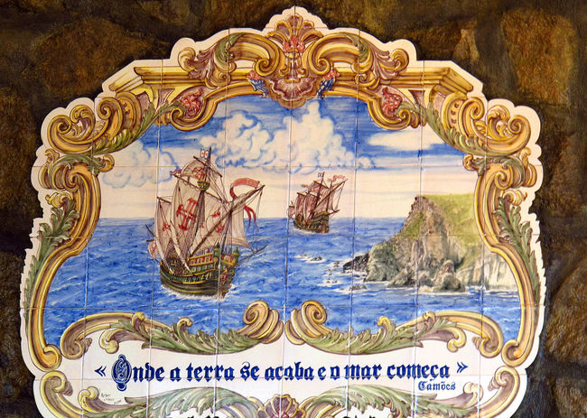 Close-up Day Fighting Ships Gold Colored Hand Painted Indoors  Nautical Theme No People Portugese Man Of War Sailing Ships Sea And Sky Wall Plaque