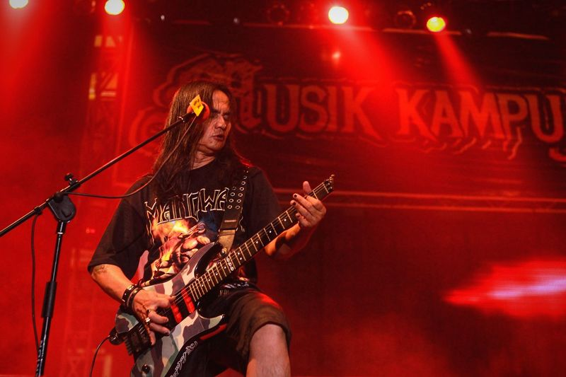 one stage gutaris jambrud indonesia Lighting Jamrud Onstagephotography Onstage Music Arts Culture And Entertainment Performance Musical Instrument Stage - Performance Space Musician Stage Rock Music Night Artist Guitar Microphone Singing Event Playing Electric Guitar Guitarist