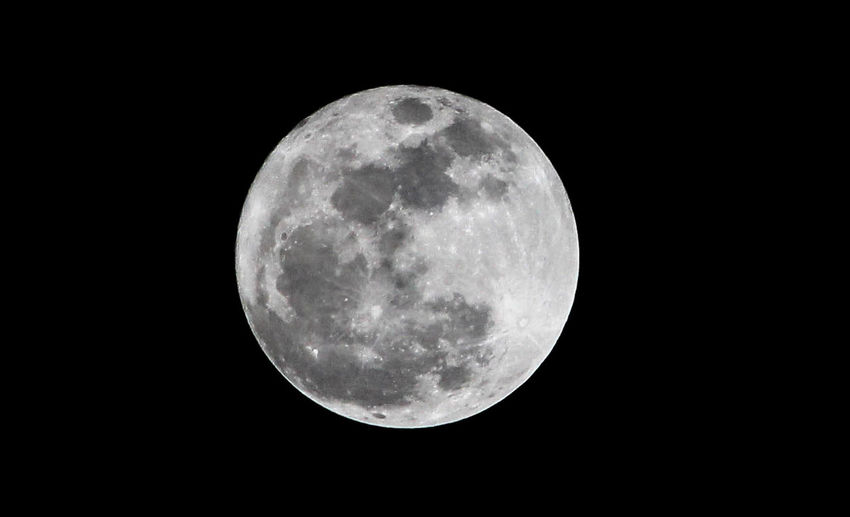 Moon Night Full Moon Nature Moon Surface Astronomy Tranquility Space And Astronomy No People Space Beauty In Nature Outdoors Sky Black Background Close-up