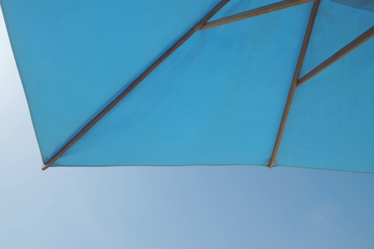 blue, no people, clear sky, day, shelter, outdoors, close-up, sky, nature