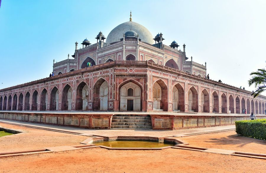 Humayun Tomb, New Delhi, India Humayunstomb Humayun's Tomb Incredibleindia New Delhi Historical Building Historical Monuments Nikonphotography Nikon D3400 Architectural Column Architecture Building Exterior Dome Architecture History Travel Destinations Arch Outdoors Day Clear Sky