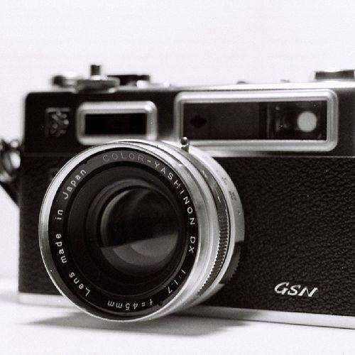 Yashica electro 35 gsn Black White Tmax lens analog camera best