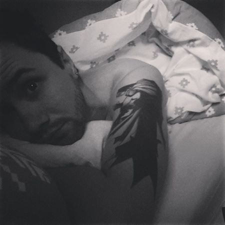 Really? I gotta get up? But it's my weekend day off, can't the flat clean itself? Selfie Morningselfie Saturdaymorning Batman BatmanInk Batmantattoo Ink Tattoo GuysWithInk Guyswithtattoos Beard BeardsAndTats Blackandwhite Bedhair