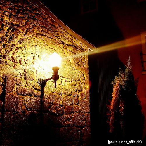 Candeeiro publico. Luz numa noite qualquer. Farol que alumia o caminho. Cidade de Guimarães. Guimarães, Luz, Noite First Eyeem Photo
