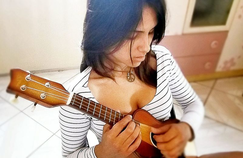 Ao galera sigam a minnha pagina no facebook Rayane Fortes ! Music Is My Life Hello World Cheese! That's Me