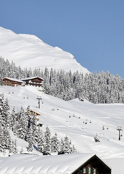 Alps Architecture Arlberg Austria Beauty In Nature Downhill Drei Männer Im Schnee EyeEm Best Shots Hello World Landscape Lech Mountain Nature Roof Ski Lift Skiing Sky Snow Snow Sports Traveling Home For The Holidays Finding New Frontiers Travel Winter Winter Sport Winter Wonderland Shades Of Winter