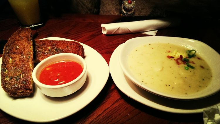 Bushmans loaf with tomato relish and a potato soup for entree! Eating Dinner Taking Photos Food Photography