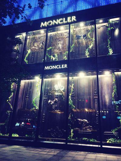Night Window Shopping Moncler