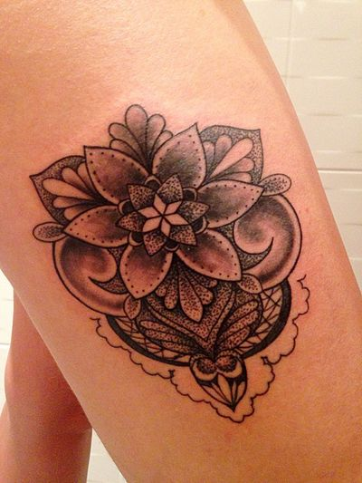 Le tatouage de la femme que j'aime ! Tatouage Jambes
