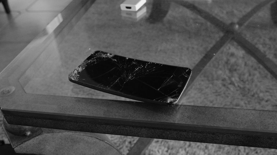 Black & White Black And White Blackandwhite Blackandwhite Photography Close-up Cracked Day Electronics  Fujifilm Indoors  Mobile Phone Monochrome No People Technology Wireless Technology