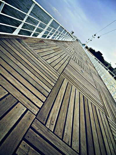 Learn & Shoot: Leading Lines Check This Out EyeEm Gallery EyeEm Best Shots Wooden Walkway Wooden Walkways Parque Das Nações Vanishing Point