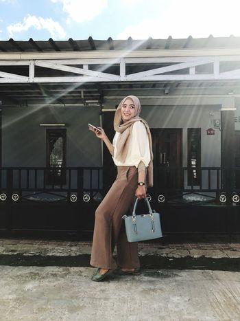 One Person Lifestyles Outdoors EyeEm Hijabers_indonesia Hijabstyle  Hijab Hijabfashion Hijabbeauty Ootd ✌