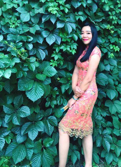 Hi! Hello World Enjoying Life EyeEm Beautiful Model Woman Green Colors china