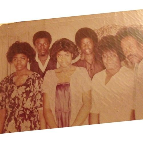 Throw back Thursday! Henderson family 1979...who that brotha in the middle with the fro? TBT  Familyfirst Rippops