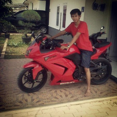 Get on the red, speed it up... Kawasaki Ninja Serang Banten INDONESIA Red Ride Speed