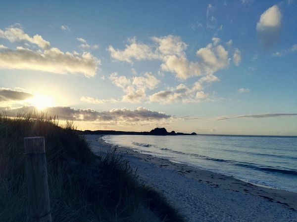 Hanging Out Check This Out Taking Photos Hello World Relaxing Enjoying Life Relaxing Hello World France🇫🇷 Bretagne FinistèreNord Breizh Breizhview Sea And Sky Ocean View Calm Water Oklm👌 Beachphotography Beach Plage Soleil Sunset