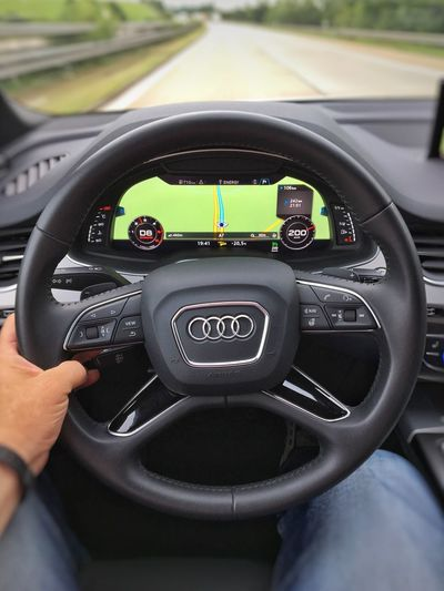 Eyes on the road! ;-) Audiq7 Steeringwheel AutobahnA7
