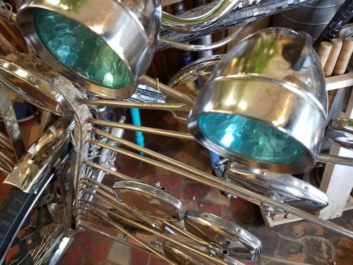 Beautiful Bycicle Art Lamps And Lights. Mirrors Silver - Metal Close-up