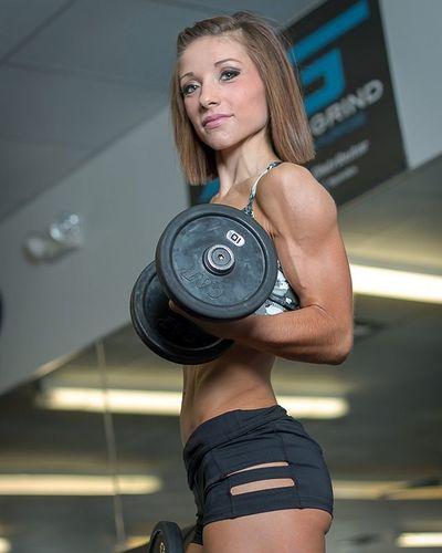 Flex Friday 💪 @kristensoinski Fitnessphotography Clevelandphotographer Weightlifting Muscles Conditioningtraining Fitness Flex Bodybuilding GymLife