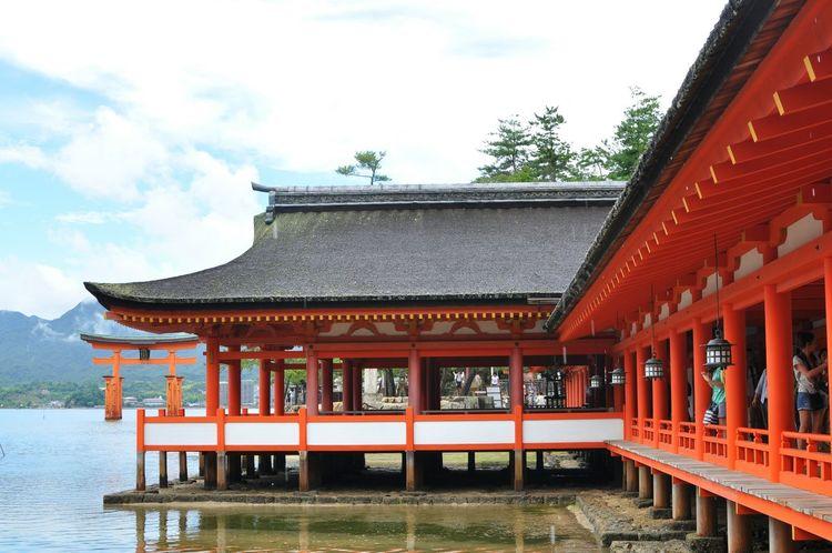 Istukushima shrine in Hiroshima Learn & Shoot: Layering Historical Building World_heritage Shrine Japan