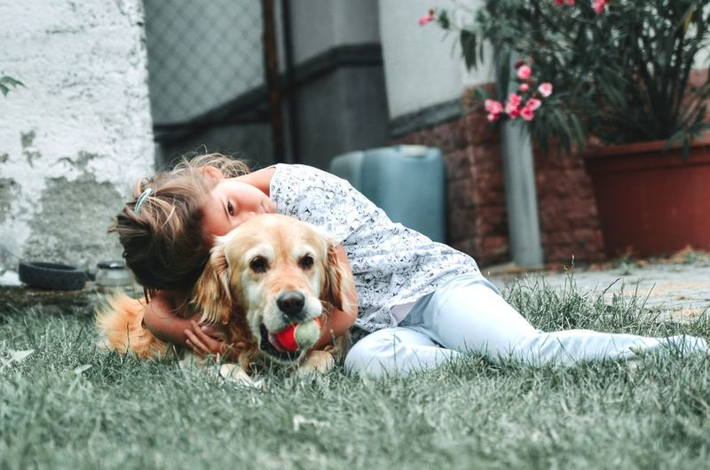 Last pucture of dog is in the heaven already. 🙏 TRUE LOVE ❤ Love It ❤ Loving Life! Love Is Love Last Picture  Old Dog Young Girl Friendship Pets Portrait Retriever Cheerful Dog Happiness Relaxation