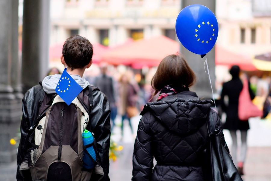 Rear View Focus On Foreground Flag Balloon Country Two People Togetherness Couple Relationship Balloons Election European Union Brexit Vote Supporters Followers Portrait Day Outdoors Helium Balloon People EyeEm Best Shots EyeEm Gallery in Brussels , Belgium MISSIONS: The Week On EyeEm Mix Yourself A Good Time Fresh On Market 2017
