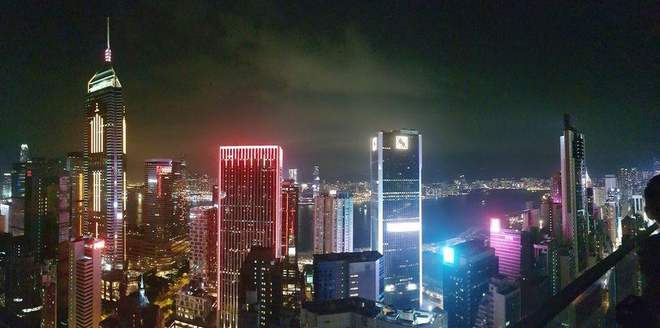 hongkong 13.09.18 vor dem Taifun Cloud - Sky HongKong Storm Taifun Typhoon City Cityscape Urban Skyline Illuminated Skyscraper Modern Downtown District Neon Sky Architecture Tower Tall - High