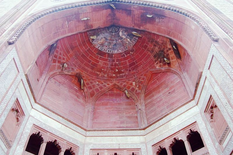 .. Bulanddarwaza.. Red Sandstone Buland Darwaja BeehiveArchitecture Fatehpursikri History Mughal Architecture Mughalarchitecture India Showcase March How Do We Build The World?
