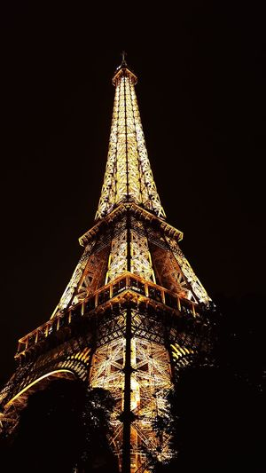 France France🇫🇷 Paris Paris, France  ParisByNight Paris By Night Effel Tower Effeltower Effel Tower Pari Light Light In The Darkness Travel Night Triangle Shape No People Building Exterior Travel Destinations Architecture See The World Through My Eyes See The World