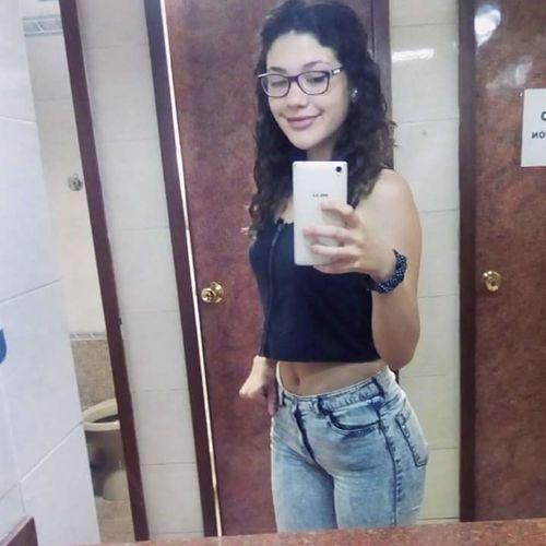 Selfie Smart Phone Eyeglasses  Casual Clothing Normal? Curly Hair Brown Hair Smile Long Hair Relaxing Time Happy :) Smiling Looking At Camera