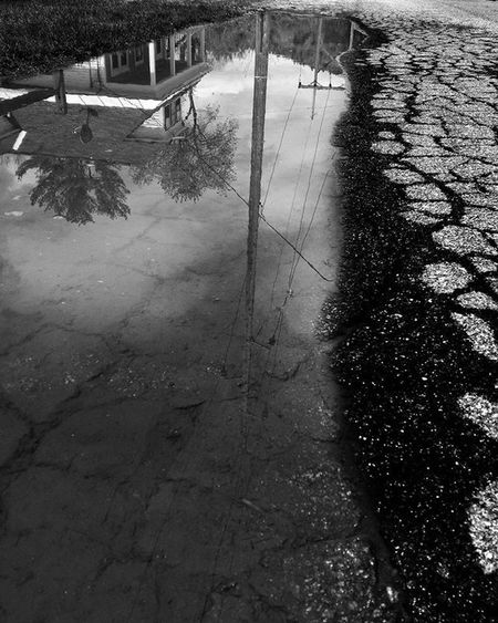 Jumping in this puddle led to another dimension . . . . . . Puddle Streetphotography Streetart Mobilephotography Upsidedown Reflections Blackandwhite Blackandwhiteisworththefight Gameoftones UrbanART Urbandecay Urban Citylife Exploremore Neverstopexploring  ExploreEverything Bnw_captures Bnw_society Cloudy Watercolor Bw_photooftheday Photooftheday Nextlevel Instagood Saturday shootermag concretejungle