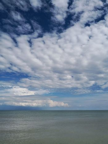 Streamzoofamily Streamzoo Nature Alone Peace EyeEm Nature Lover One Day Nopeople Tranquility Clouds Lovefornature Sea Beach Blue Sand Summer Sky Horizon Over Water Cloud - Sky Landscape Romantic Sky Atmospheric Mood Cumulus