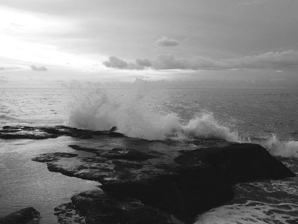 海浪的美丽... Beach Sunset Water Scenics Beauty In Nature Nature Environment Sky No People Wave Outdoors Cloud - Sky Horizon Over Water Sand Tide Close-up Day Discoverbali DiscoverIndonesia EyeEm Gallery Eyeme Best Shot OPPO OppoFind7a EyeEm Best Shots