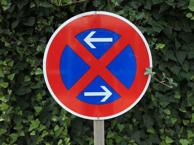 Communication Sign Circle Day Symbol Road Sign Shape Warning Sign Geometric Shape Information Sign Information