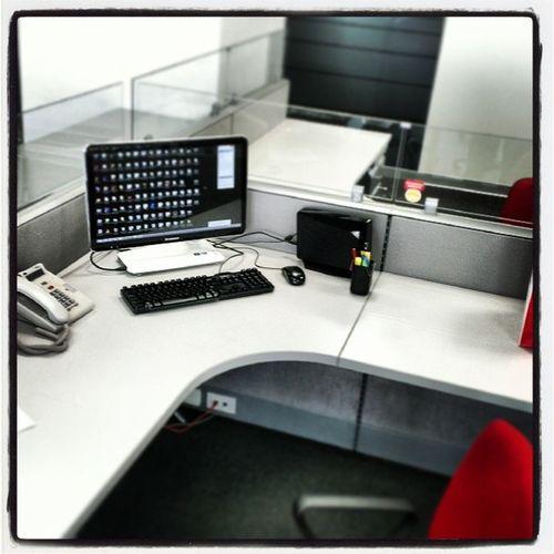 Me mudé al lado fértil de la oficina. Me gustan los chibolos pero definitivamente es un NO por ahora. Office Work Sani RSE RR.PP dailylife