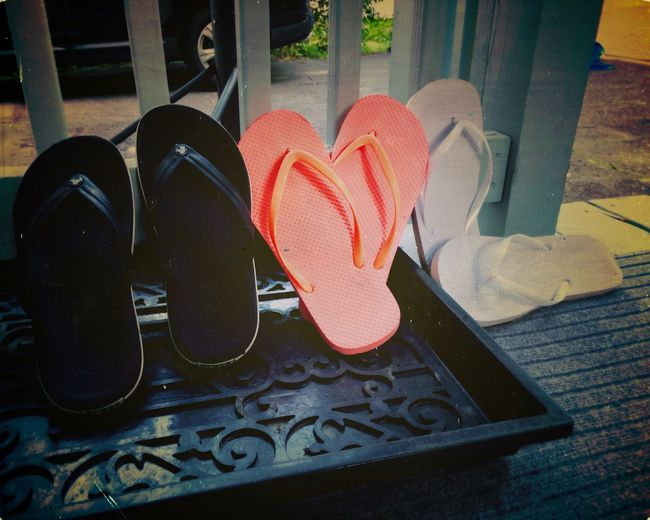 Summer Vives Relaxing Summer Summertime Heart Shape Shoe Positive Emotion Love Still Life Close-up No People Pair Outdoors Flip-flop Personal Accessory Emotion