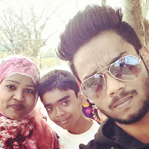 Family MeAmmiSadmi MomAndSons Outoftown ...