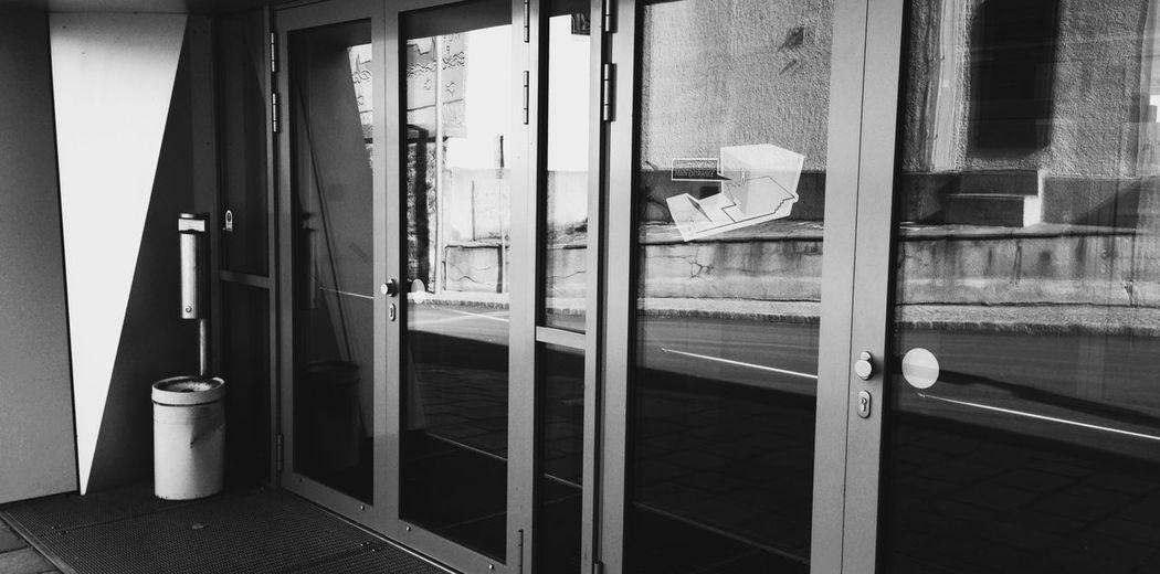 Doors Reflection Ashtray  Streetphoto_bw