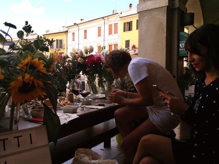 Flowers Flowers Shop Wineglass Red Wine Girasole Summer In The City Young Women Friendship Happy Hour City Men Sitting Women Friend