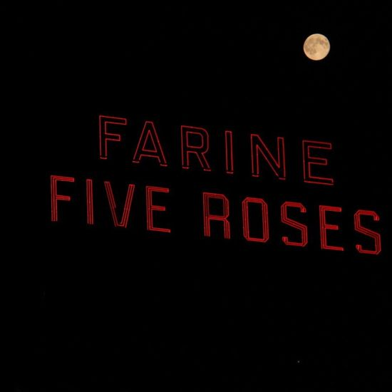 Montréal Farine Five Roses Mtlmoments Supermoon